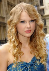 best-prom-hairstyles-for-curly-hair